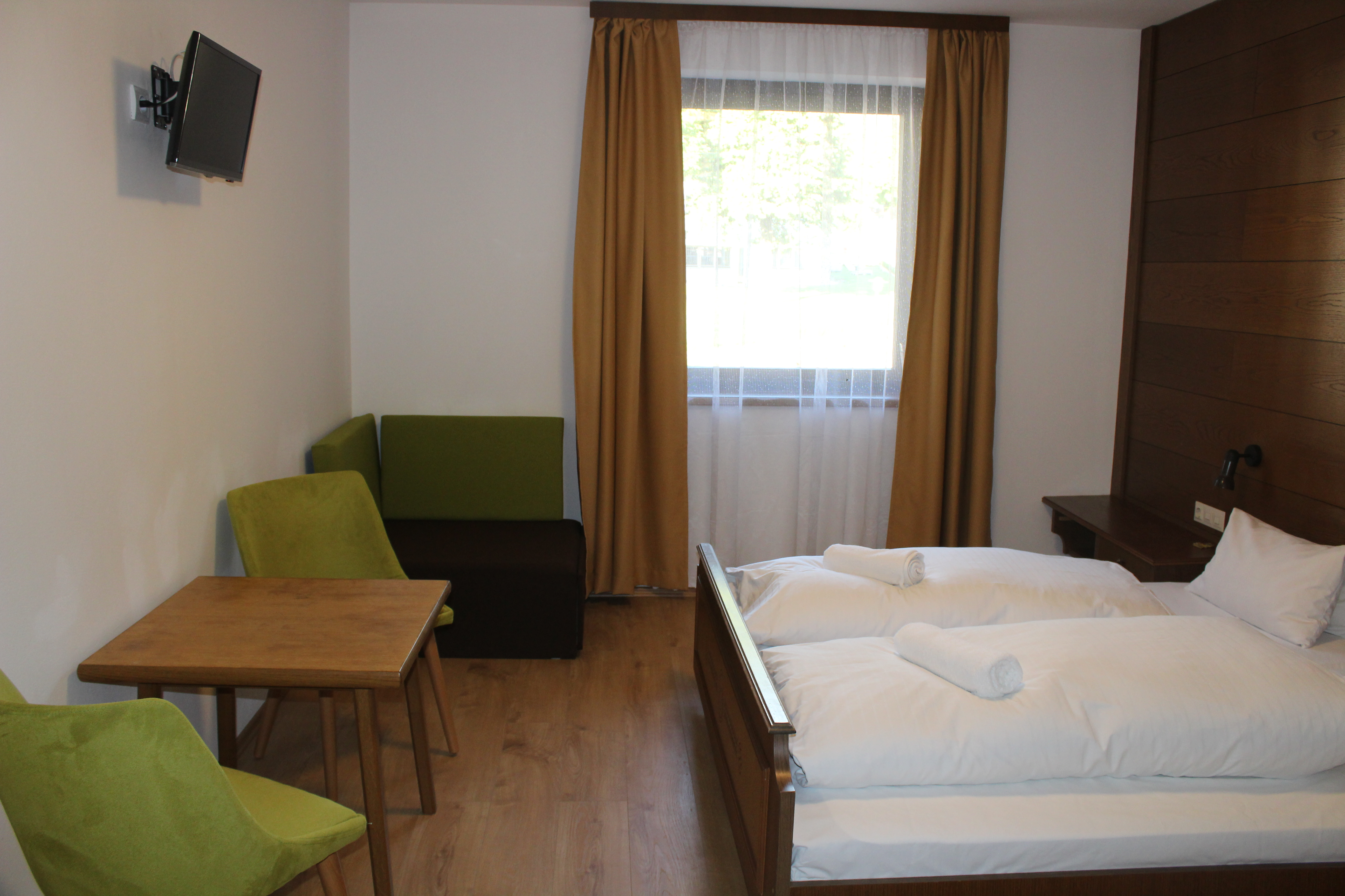 Standard double room + chairbed